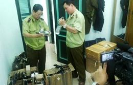 Tạm giữ hàng nhập lậu tại sân bay Nội Bài