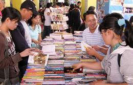 Khai mạc Hội chợ Sách quốc tế Việt Nam 2015