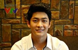 ĐỘC QUYỀN: Kang Tae Oh gửi lời chào tới độc giả VTV News