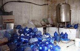 Kiên Giang: Phát hiện hàng trăm chai nước lọc không có hạn sử dụng