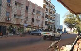 Nhóm Hồi giáo cực đoan châu Phi nhận trách nhiệm vụ bắt giữ con tin ở Mali