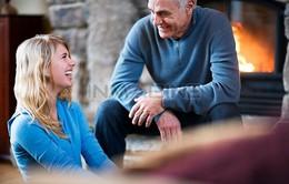 Lắng nghe người lớn tuổi - Kỹ năng cần cho người trẻ