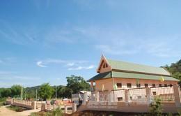Bàn giao Trung tâm dạy tiếng Việt tỉnh Hủa Phăn, Lào