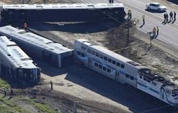 Mỹ: Tàu hỏa đâm xe tải, 50 người bị thương