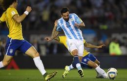 Argentina chia điểm với Brazil trong ngày vắng Messi, Aguero