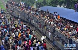 Bangladesh: Người dân lũ lượt về quê dự lễ Eid al-Fitr