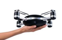 Chụp ảnh selfie công nghệ cao với máy bay không người lái Lily