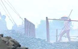 Thái Bình: Khói bụi từ gần 100 lò vôi bủa vây nhà dân