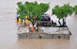 Mưa lớn gây lụt lội tại Ấn Độ