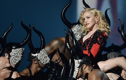 Madonna từ chối xem lại vụ tai nạn tại Brit Awards 2015