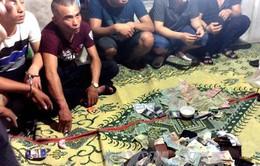 Quảng Bình: Phá vụ đánh bạc, bắt gọn 25 đối tượng