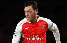 Xuất sắc hơn tiền đạo, Ozil được HLV Wenger ca ngợi hết lời