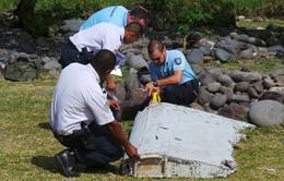 Malaysia xác nhận mảnh vỡ tìm thấy là của Boeing 777