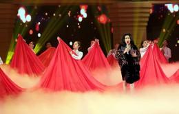 """Giai điệu tự hào: Thanh Lam gây xúc động với """"Màu hoa đỏ"""""""
