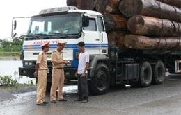 Hà Tĩnh: Chặn bắt 24 xe chở quá tải 100%