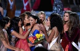 Tân Hoa hậu Hoàn vũ gửi tin nhắn cho toàn thế giới