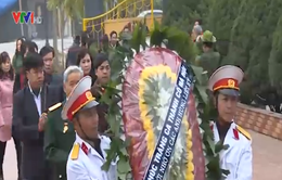 """Ninh Bình tích cực hưởng ứng cuộc vận động """"Hoa dâng mộ liệt sĩ"""""""
