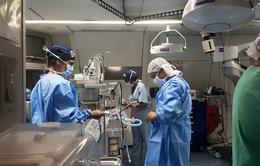 Bệnh viện Bay ORBIS khám và mổ mắt miễn phí tại Hà Nội