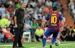 """Messi hạ bệ """"Vua bóng đá"""" Pele"""
