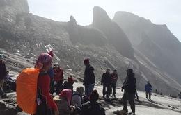 Động đất ở Kinabalu: 1 người thiệt mạng, hàng trăm người mắc kẹt trên núi