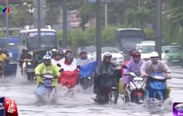 Mưa lớn gây thiệt hại nặng nề tại TP.HCM