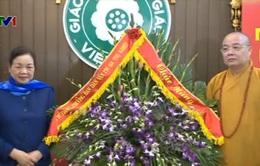 Đồng chí Hà Thị Khiết chúc mừng Giáo hội Phật giáo Việt Nam nhân lễ Phật Đản