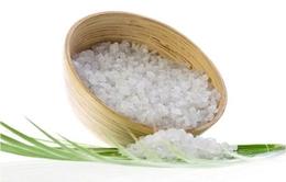 Tuyệt chiêu đánh tan mỡ bụng bằng muối
