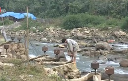 Sử dụng sức nước tạo ra điện ở miền núi