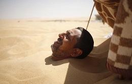 Ai Cập: Ngâm mình trong cát giúp chữa xương khớp