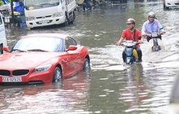 Nhiều tuyến đường tại TP.HCM ngập nặng sau mưa