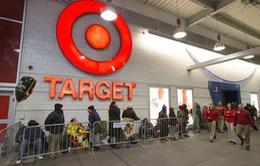 Người Mỹ xếp hàng từ sớm chờ mua sắm ngày Black Friday 2015