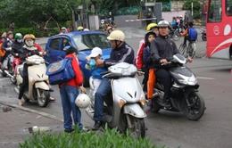 Hà Nội:Khoảng 90% trẻ em đội mũ bảo hiểm tới trường
