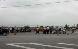 Xe tải tông xe máy, 2 phụ nữ chết thảm