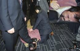 Cảnh sát Hàn Quốc bắt giữ thủ phạm tấn công Đại sứ Mỹ