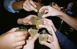 Quá trình sản xuất rượu tự chế độc hại tại Nigeria