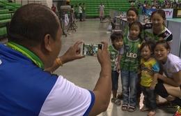 Phụ công Ngọc Hoa chiếm trọn tình yêu của CĐV bóng chuyền Thái Lan