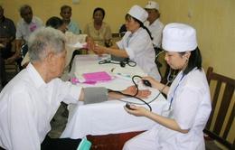Khoảng 40% người cao tuổi Việt Nam chưa có thẻ bảo hiểm y tế