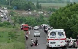 Ukraine: Người dân xếp hàng chờ đợi tại các chốt kiểm tra