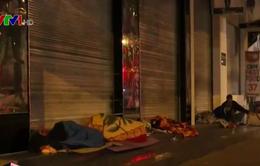 Những mảnh đời vô gia cư co ro trong đêm đông Hà Nội