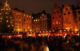 Người dân Anh không đổ ra đường mua sắm dịp Giáng sinh