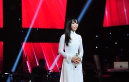 """Giọng hát Việt 2015: """"Nổi da gà"""" với giọng ca 16 tuổi Bảo Uyên"""