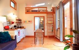 Ngắm nhà gỗ nhỏ ấm cúng với tông màu ấm áp