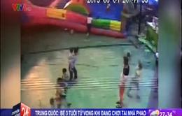 Trung Quốc: Nhà phao bị thổi bay, bé 3 tuổi thiệt mạng