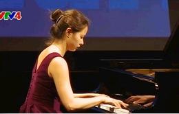 Độc tấu dương cầm của nghệ sĩ 19 tuổi Mai Charissa