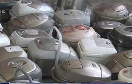 TP.HCM: Bắt giữ container nhập lậu chứa gần 400 sản phẩm điện tử, điện gia dụng
