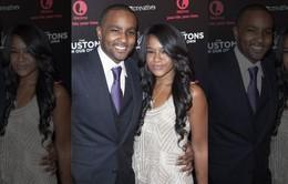 Con gái Whitney Houston bị chồng hạ độc?