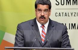 Tổng thống Venezuela công du nước ngoài tìm viện trợ