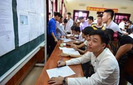 Ngày cuối xét tuyển: Điểm chuẩn nhiều trường tăng hàng loạt