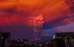 Chile: Núi lửa Calbuco phun trào trở lại sau 50 năm