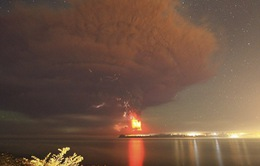 Chile: Núi lửa Calbuco phun trào 2 lần trong 24 giờ